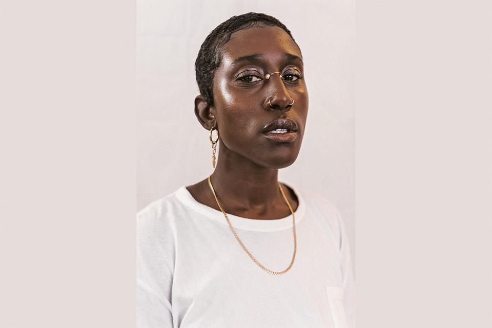 Победительница конкурса Amiri Prize – дизайнер из Ганы Наа-Амерли Баджер