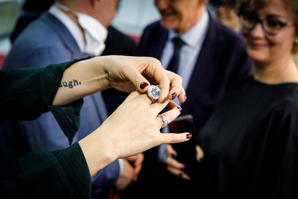 Новаторские украшения-трансформеры Epic Jewellery в прошлом году вызвали у посетителей J-1 особый интерес