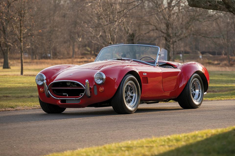 Shelby 427 Cobra 1966 года из коллекции гонщика Льюиса Хэмилтона