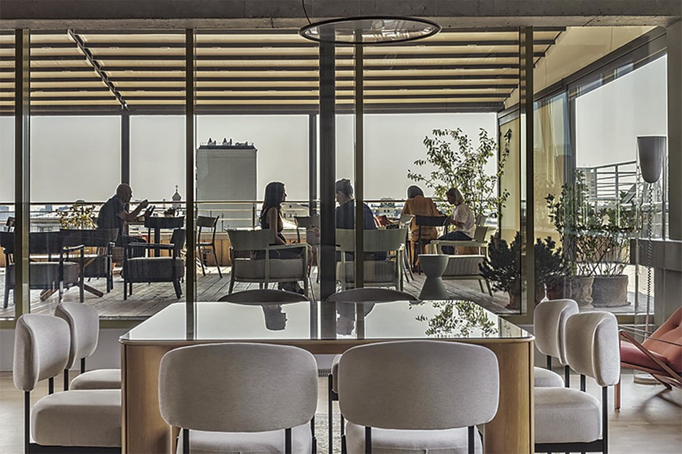 Noodome сегодня – это 1200 м мультифункционального пространства с панорамным остеклением, террасой и садом