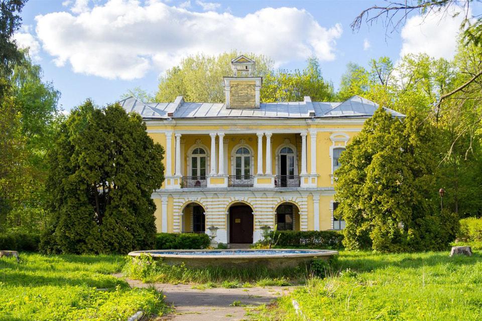 Усадьба Глинки принадлежала генерал-фельдмаршалу Якову Брюсу
