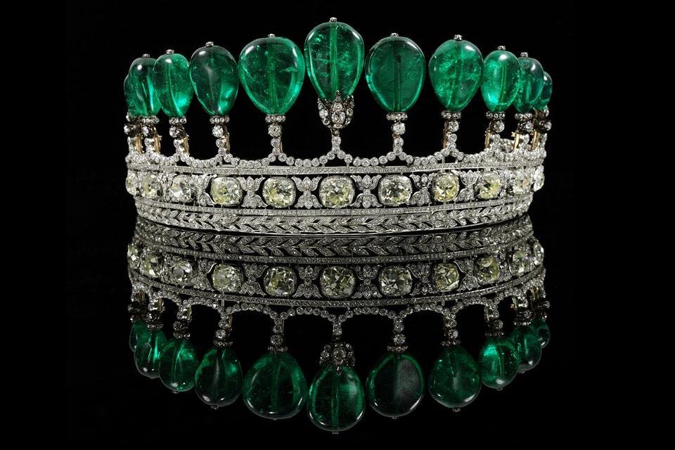 Тиара принцессы Катарины Хенкель фон Доннерсмарк, урожденной Екатерины Слепцовой, была продана в 2011 году с молотка Sotheby's Geneva за $12,7 млн