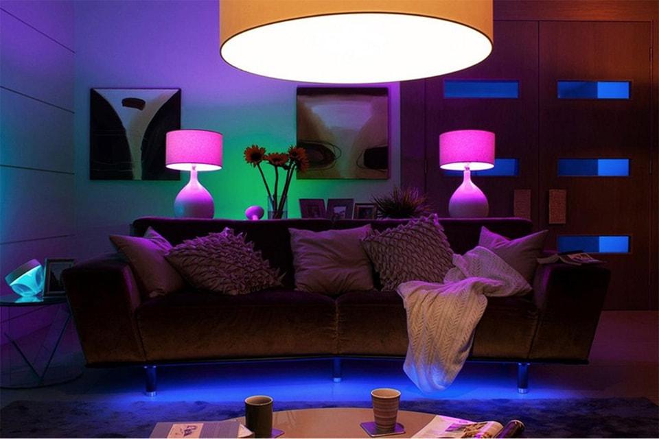 У SAD-ламп и обычных лампочек разные функции: первые — лечат, вторые –освещают