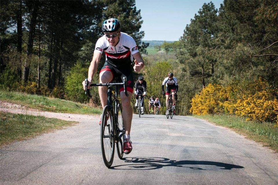 Поездки на велосипеде Денис Иванов считает лучшим досугом: «Лично мне стало проще справляться с физической нагрузкой и работой в повседневной жизни благодаря улучшившейся выносливости»