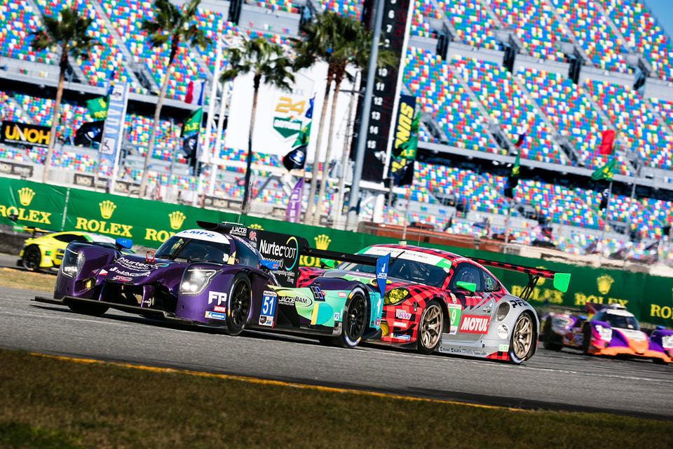 Проходящая в течение суток гонка Rolex 24 At Daytona считается настоящим испытанием на самоотверженность, выносливость и мастерство